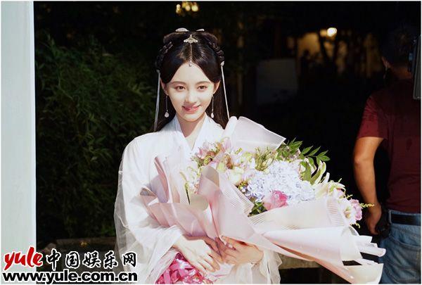 鞠婧祎雨夜杀青 新曲《叹云兮》全网上线资讯生活